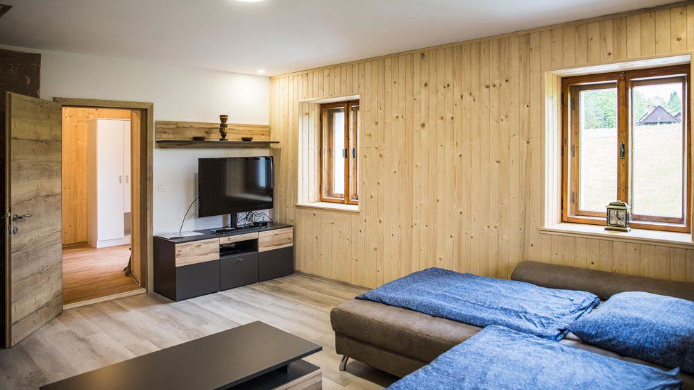 Turistična agencija Iter - apartmaji Pokljuka_apartma dnevna soba