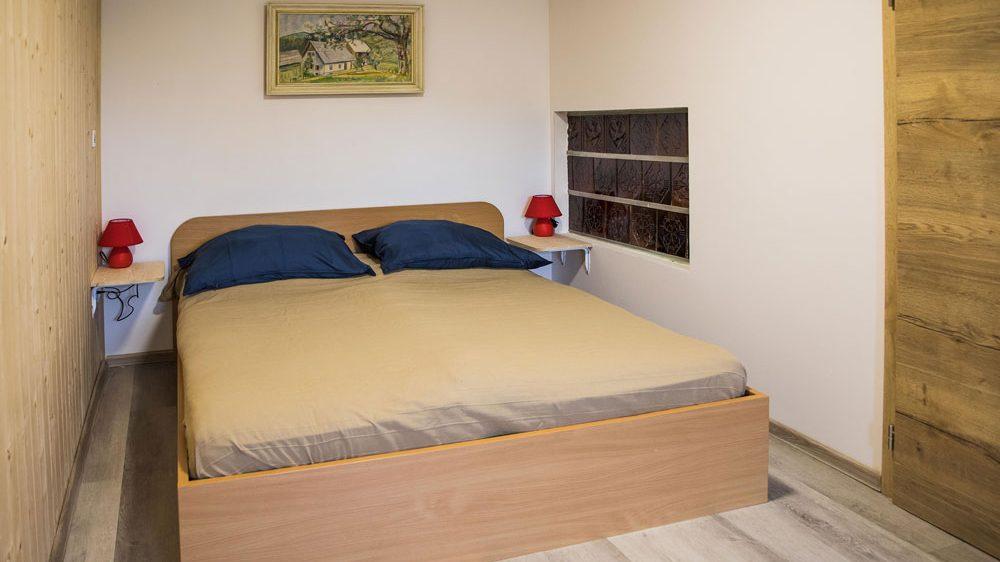 Turistična agencija Iter - apartmaji Pokljuka_apartma spalnica