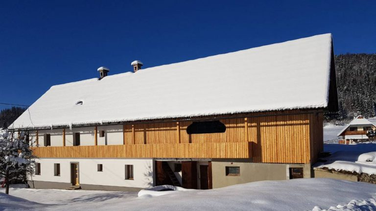 Turistična agencija Iter - apartmaji Pokljuka_zimska zunanjost
